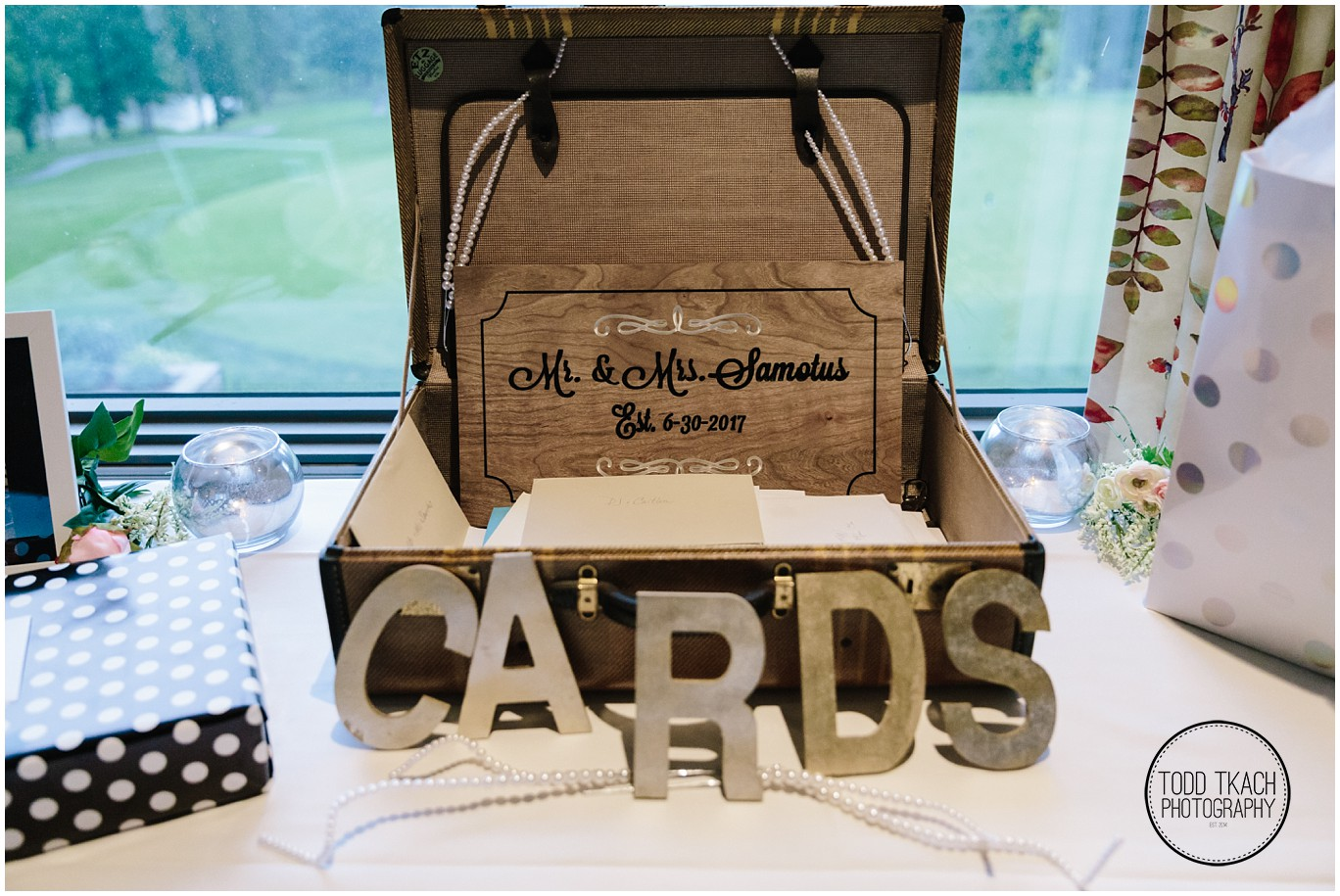 Phil & Caitlin - Seven Oaks - Mr & Mrs Samotus Card Box