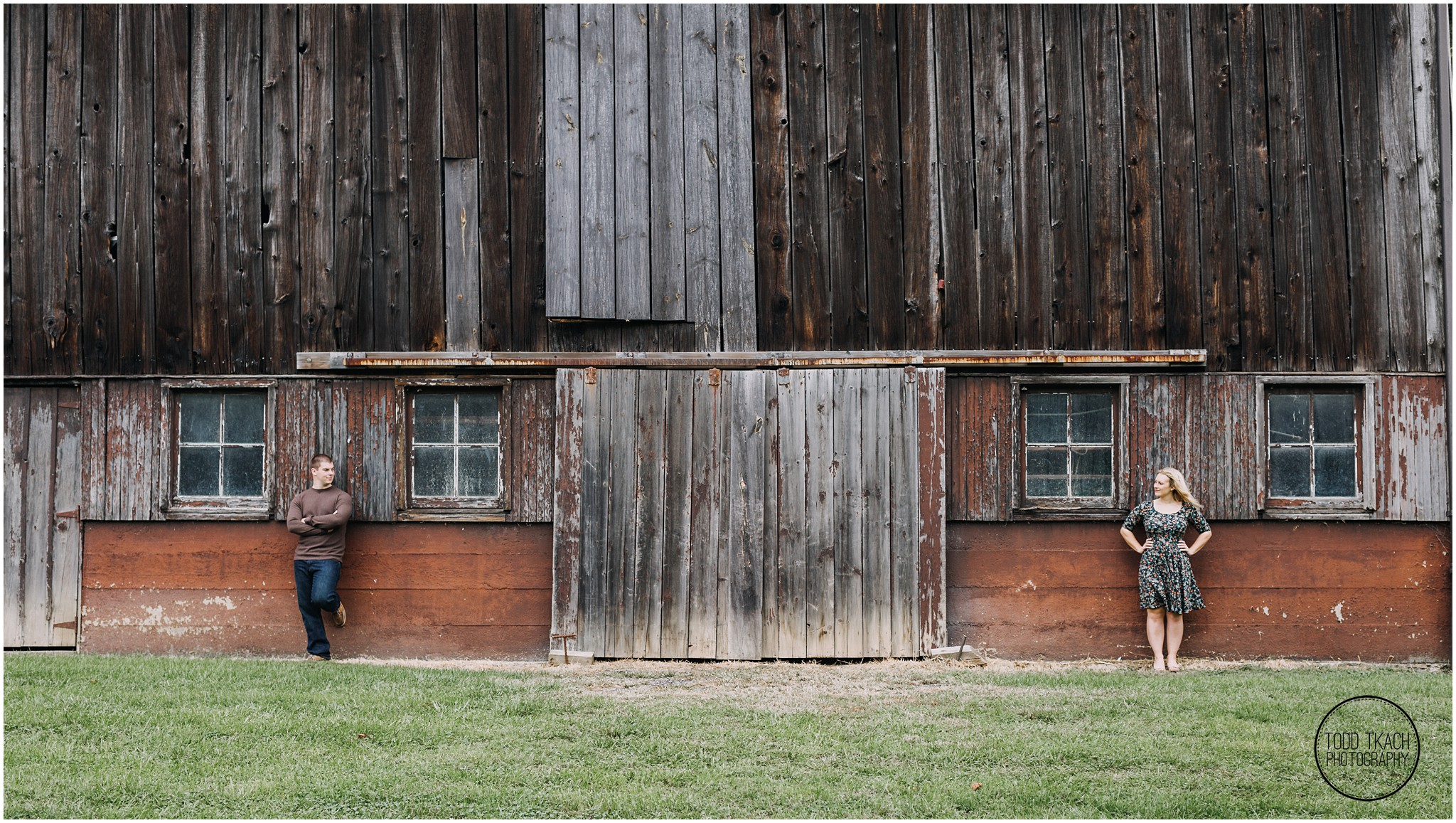 Christie & Scott - Rustic Barn Portrait