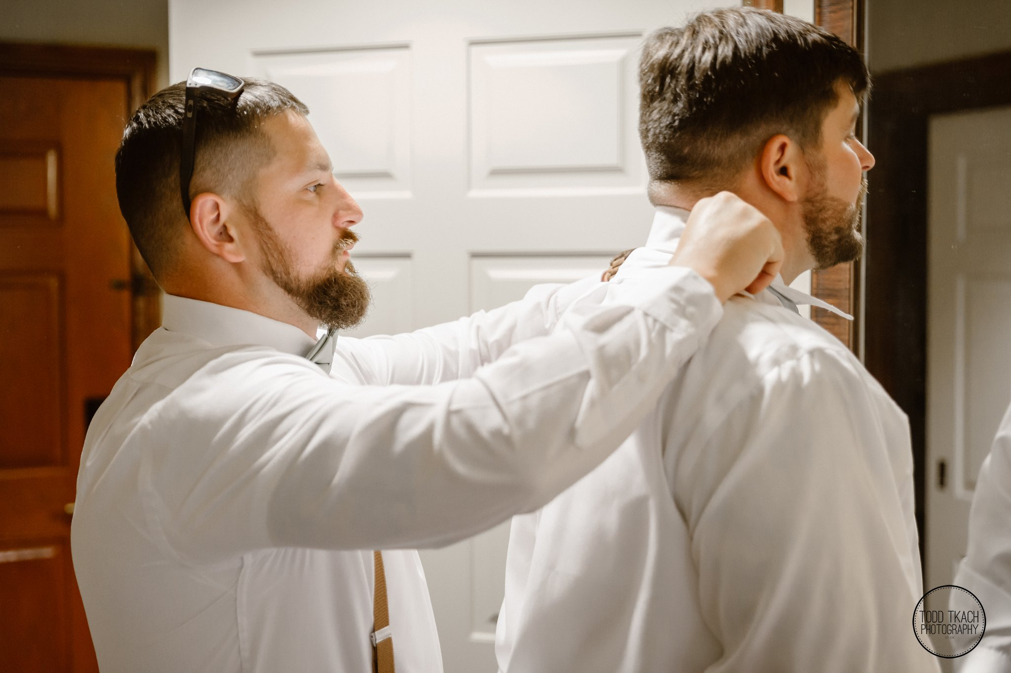 Brandon Helps Groomsmen